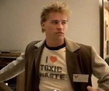 val-kilmers-i-love-toxic-waste-real-genius-t-shirt_2